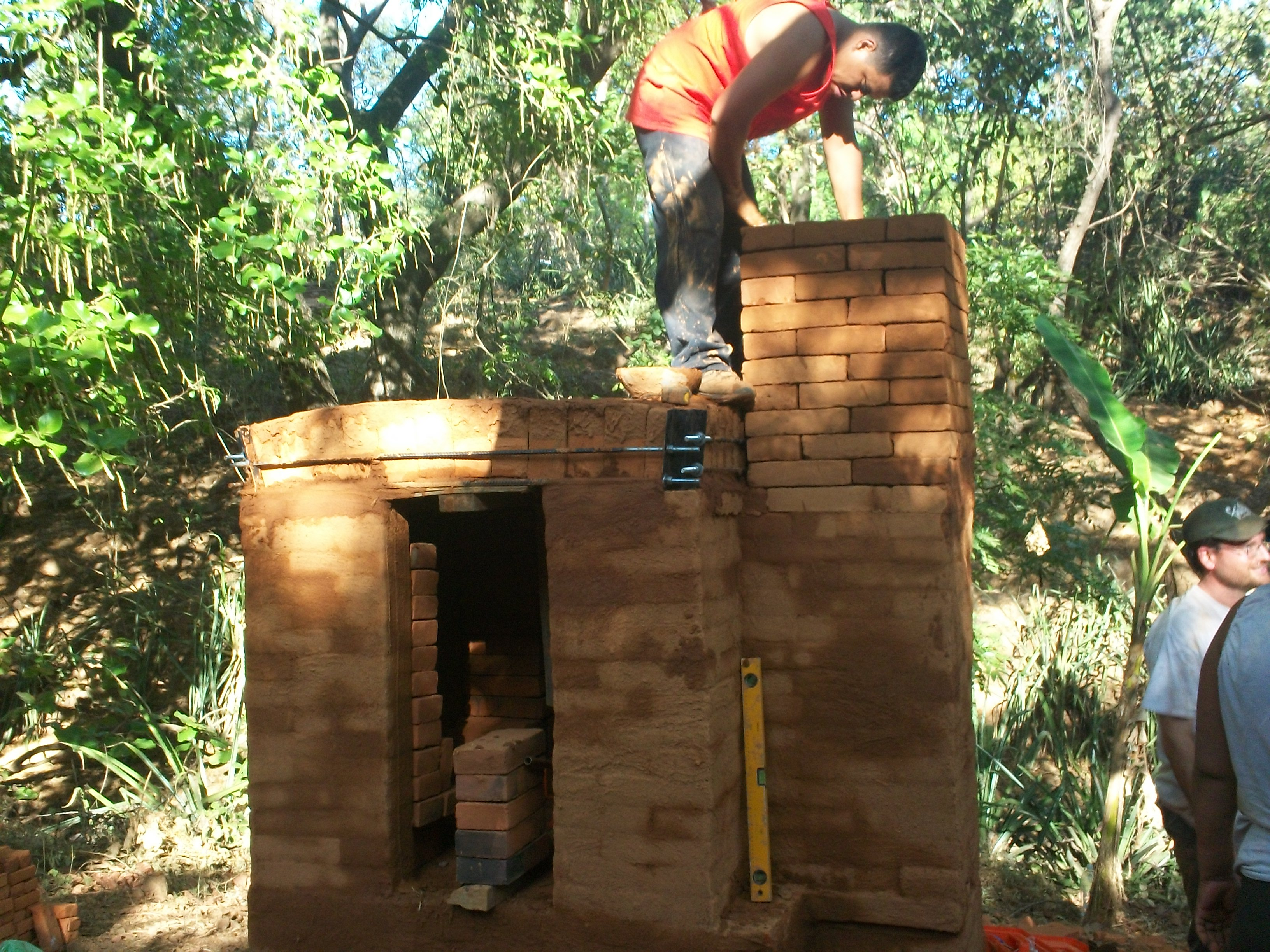 Alvaro makes the chimney
